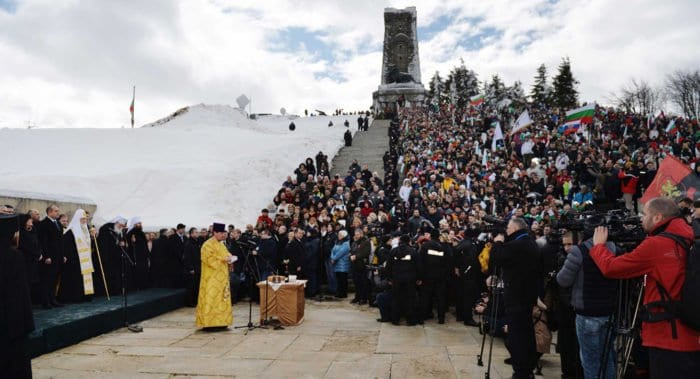 Патриарх Кирилл помолился на Шипке о воинах, погибших за свободу Болгарии