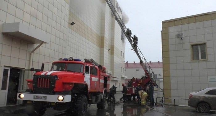 «А потом я услышал детские крики»: о тех, кто помогал спасать детей на пожаре в Кемерово
