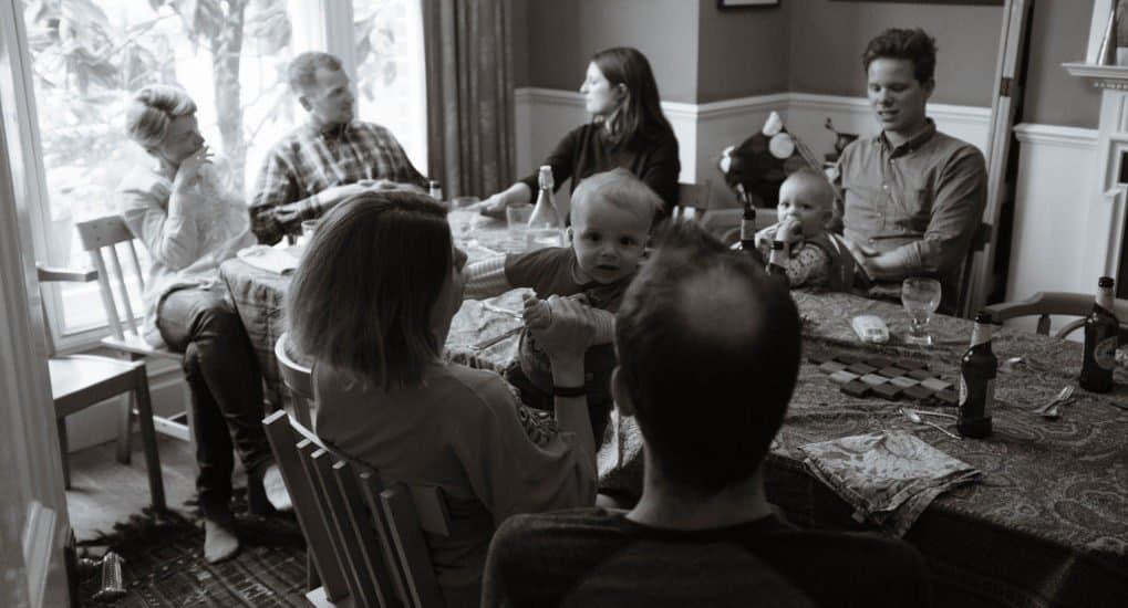 Можно ли в день Пасхи играть в лото в кругу семьи?