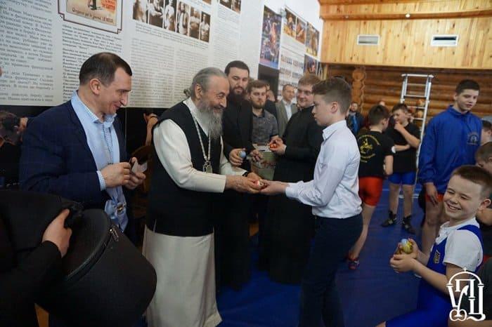 Митрополит Онуфрий освятил храм при детском центре под Киевом