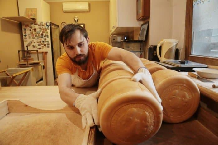 Артос: пасхальный хлеб