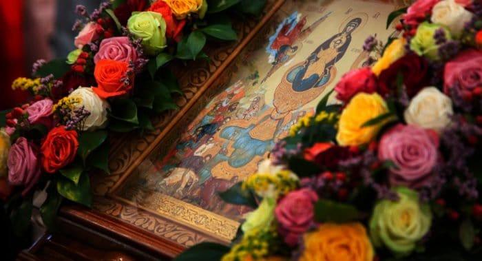 Церковь чтит икону Божией Матери «Живоносный Источник»