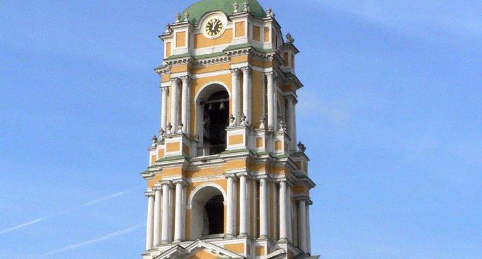 Закладную табличку XVIII века нашли на колокольне Новоспасского монастыря