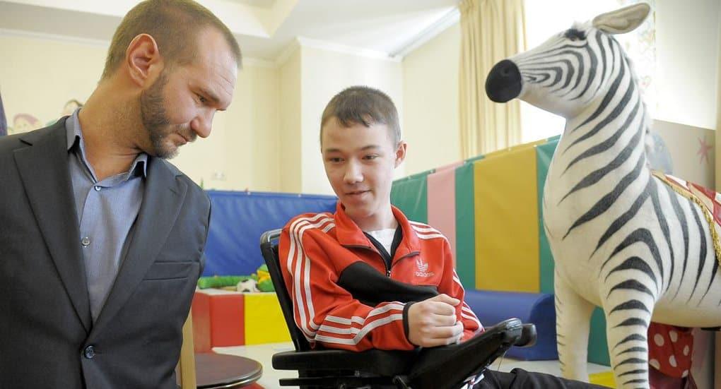 Ник Вуйчич посетил православный Детский хоспис в Петербурге