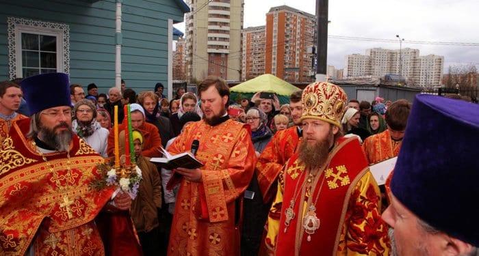 Освящен закладной камень первого храма Москвы в честь жен-мироносиц