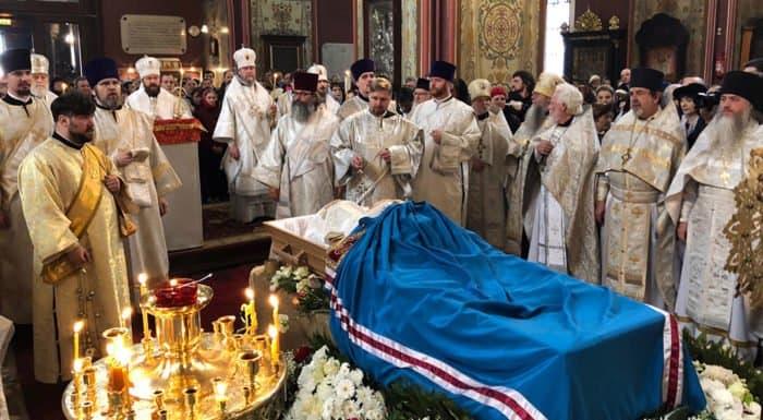 В Таллине простились с митрополитом Эстонским Корнилием