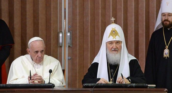Патриарх Кирилл и Папа Франциск призвали мировых лидеров не допустить войны