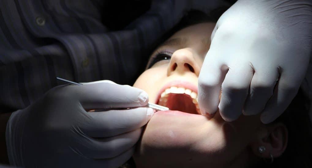 Можно ли в Страстную пятницу удалять зуб?