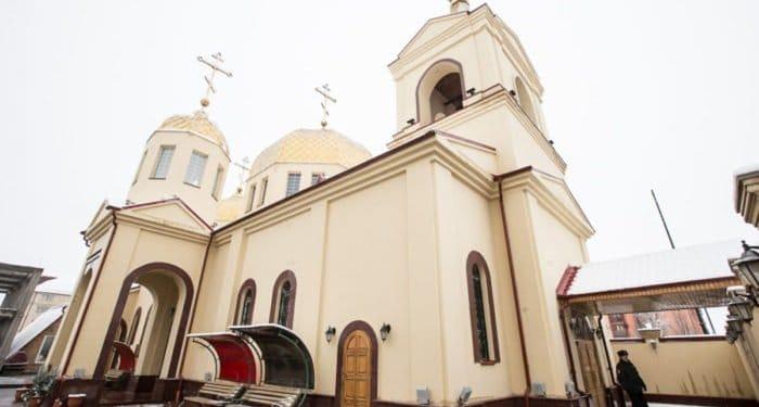 Главы религий России призвали не допустить межрелигиозной розни после нападения на храм в Грозном