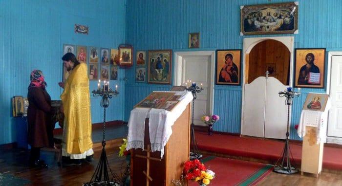 В холмогорской деревне, где постоянно живет один человек, совершили Литургию