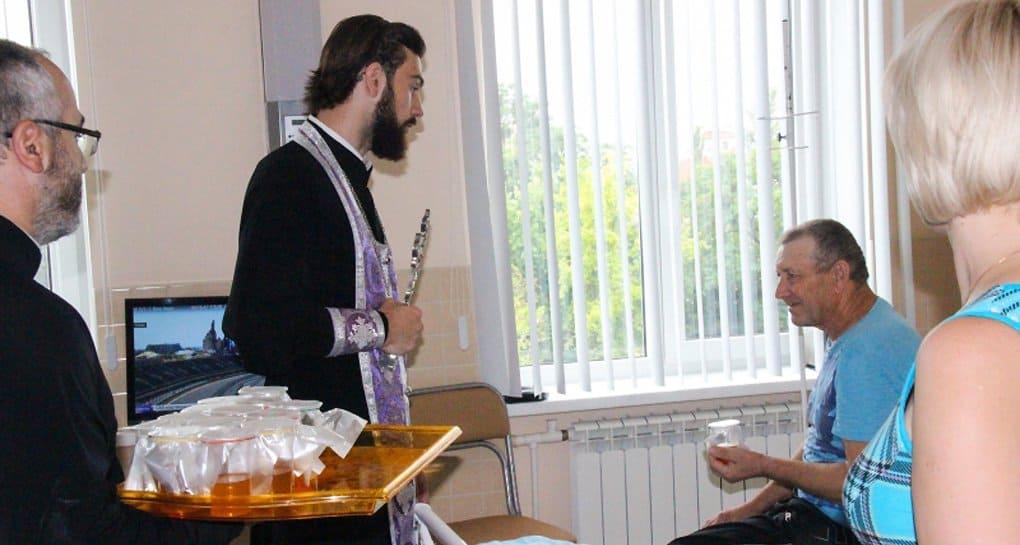 Для многих онкобольных крайне важна духовная жизнь, - священник из НИИ онкологии