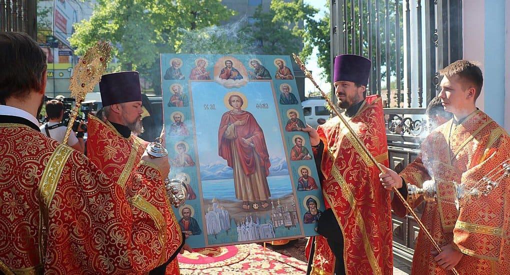 В Кыргызстан из Италии передали частицу мощей апостола Фомы