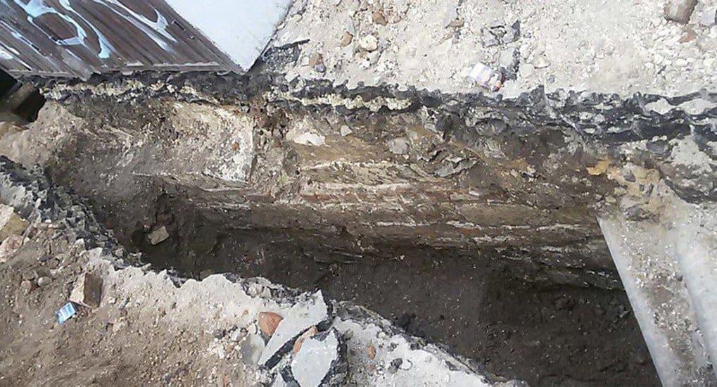 Часть ограды монастыря XIV века нашли в Москве