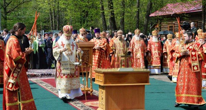 Патриарх Кирилл помолился обо всех замученных в Бутове