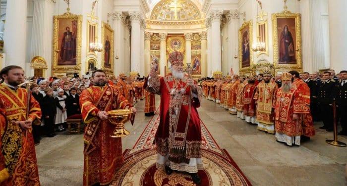 Патриарх Кирилл освятил в Петербурге храм и собор