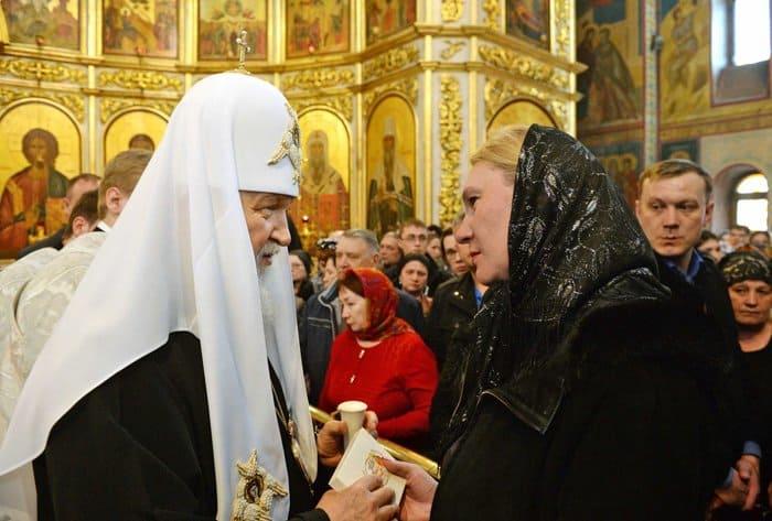 Патриарх призвал постоянно молиться за жертв трагедии в Кемерово и помогать их родным