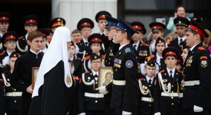 Патриарх пожелал кадетам хранить свою нравственность от деформаций