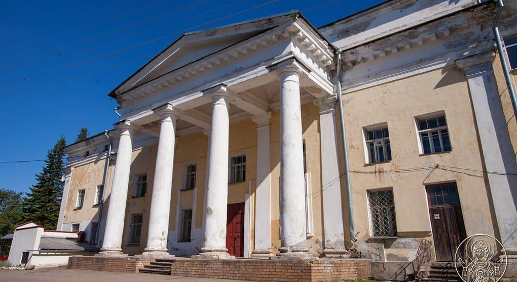 Церкви вернули собор середины XIX века в Боровичах