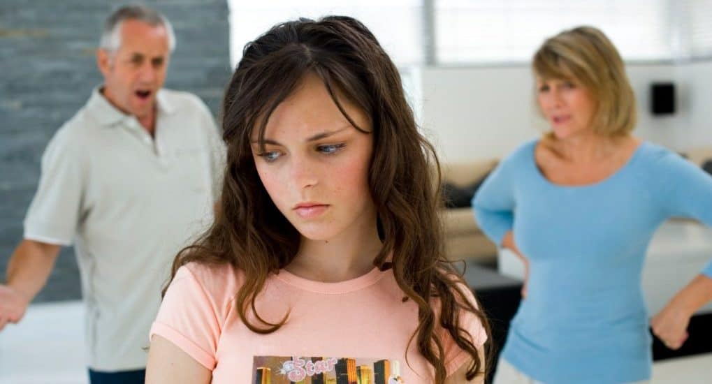 Подросток начинает отдаляться. Как принять это?