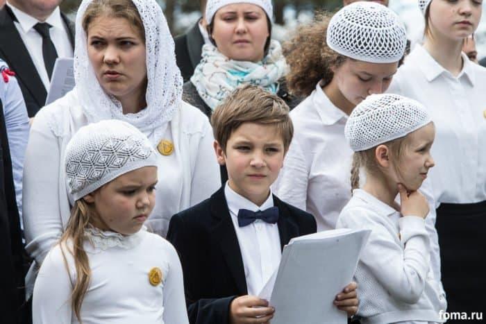 «Они у Бога, я не сомневаюсь»: на карельском Сямозере вспомнили погибших детей