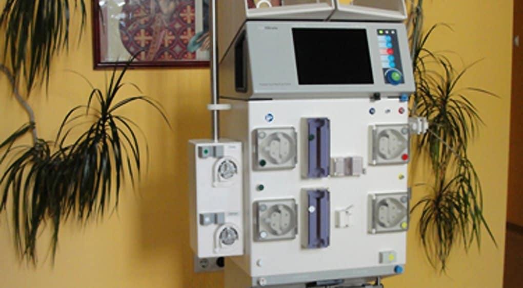 Вместо цветов патриарху Кириллу купили аппарат искусственной почки для церковной больницы