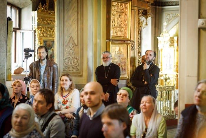 """""""Не зло победит зло, а только любовь"""": в Знаменском храме Москвы показали редкие снимки семьи последнего императора"""