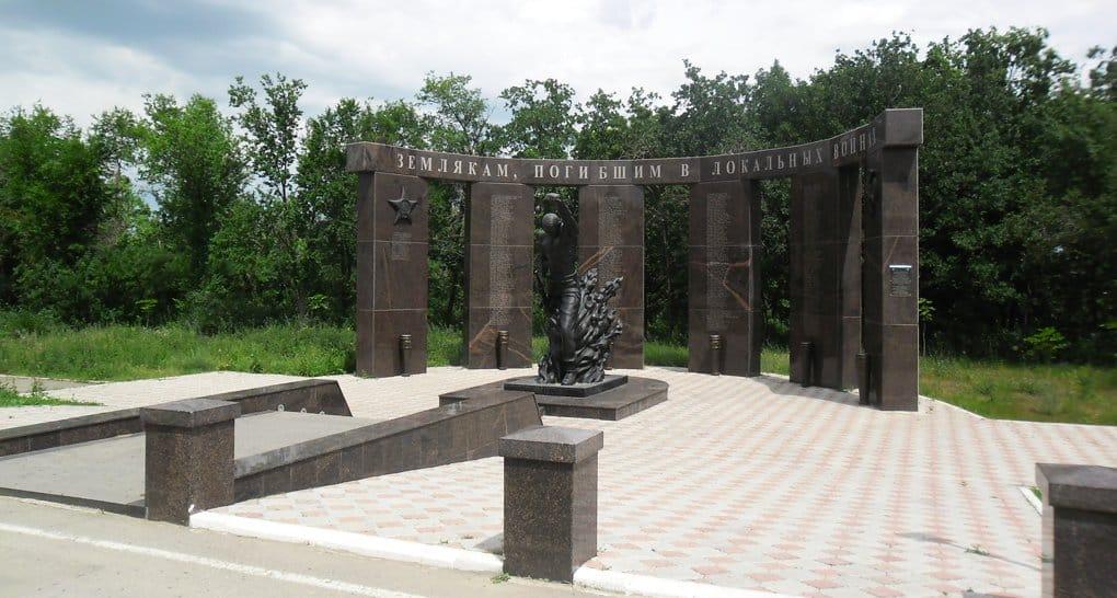 В Саратове увековечат имена полицейских, погибших при защите храма в Грозном