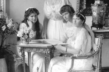 Ольга, Татьяна, Мария и Анастасия (ОТМА) в 1914 году.