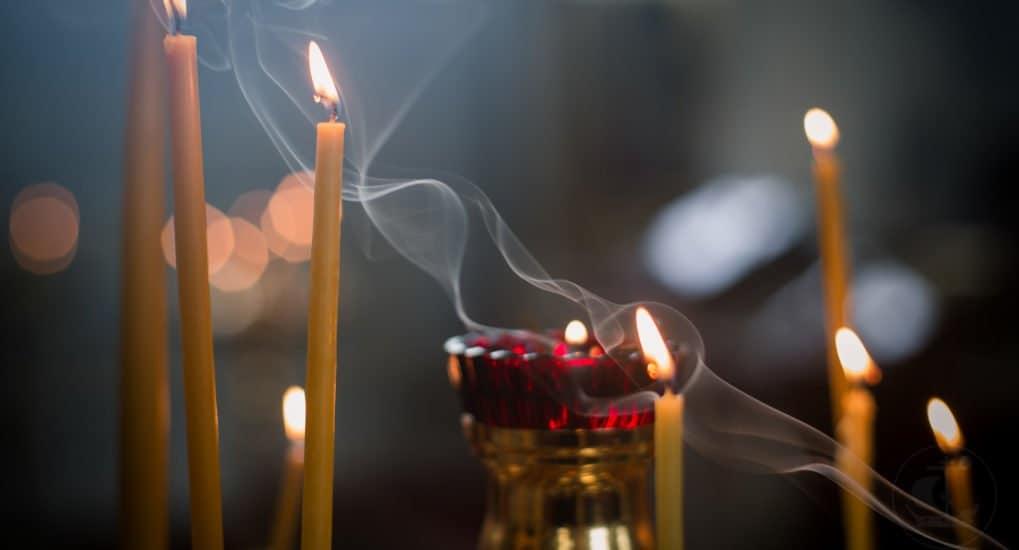 Грех ли задуть свечу в храме?