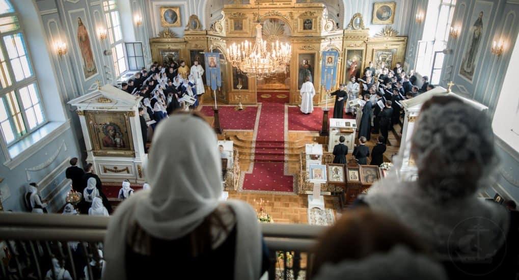 Можно ли служить молебен после воскресной Литургии?