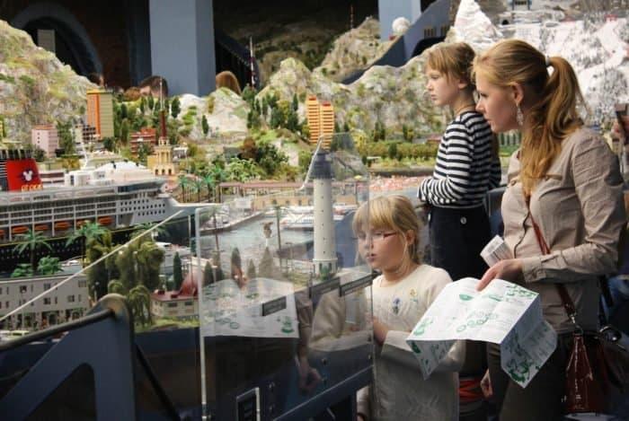Чтобы не скучать в каникулы: 10 не самых известных мест в Санкт-Петербурге, куда можно сходить с детьми