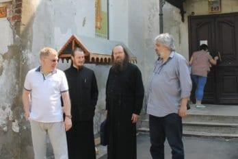 Староста храма Вознесения Владимир, отец Роман Посыпкин, отец Андрей Ефанов, который отвечает на Вопросы священнику на сайте