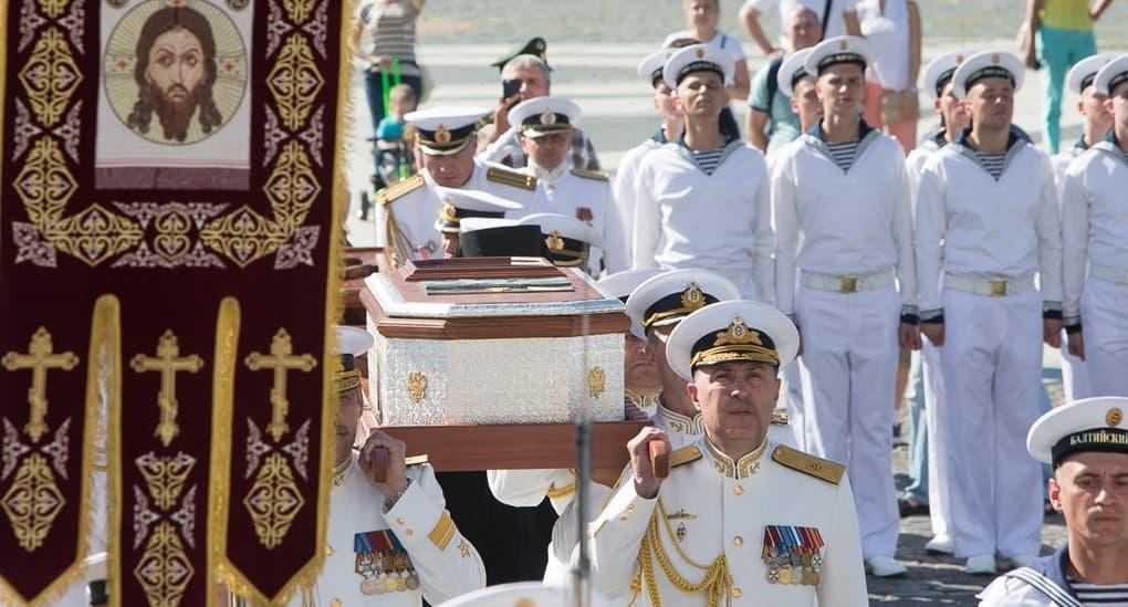 В Кронштадт ко Дню ВМФ принесут мощи святого Федора Ушакова