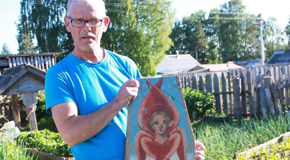 Житель Поморья нашел в сарае фрагмент расписного свода старинной часовни