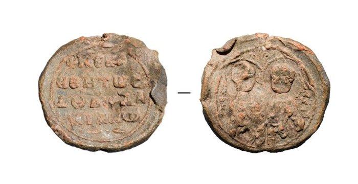Редкую печать с изображением святых Космы и Дамиана нашли у Суздаля