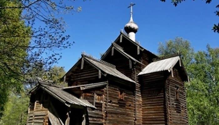 В Новгороде впервые за почти 40 лет отреставрировали церковь XVII века