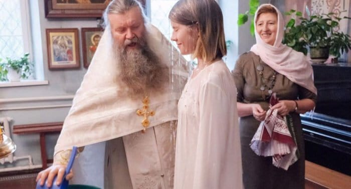 «Давай будем спасаться вместе?»: как я крестилась