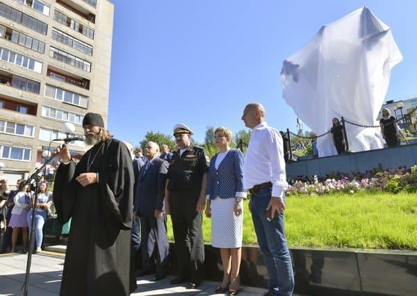 Отец Федор Конюхов создал памятник Николаю Чудотворцу для четырех городов-портов