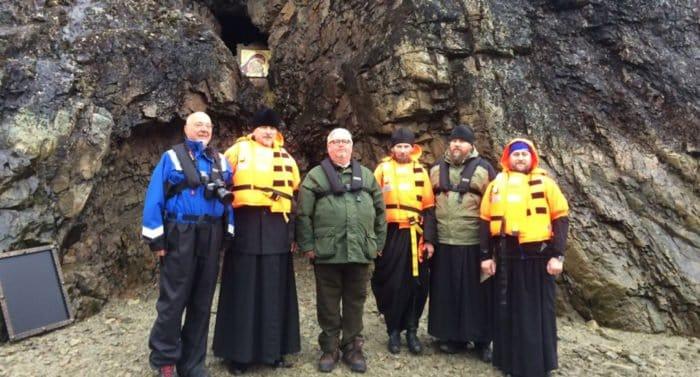 В норвежской пещере установили икону Богородицы