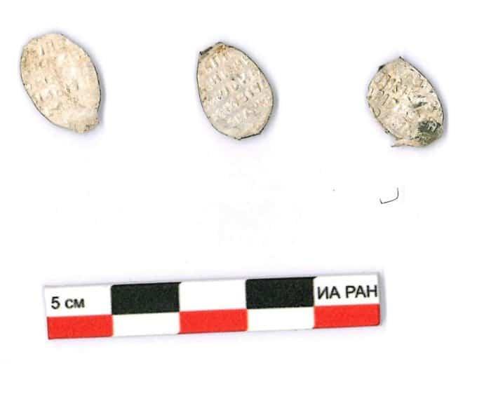 Клад с более 600 монетами времен Бориса Годунова нашли в Подмосковье