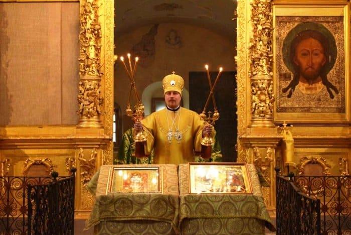 Первую за 100 лет Литургию совершили в Михайло-Архангельском соборе Великого Устюга