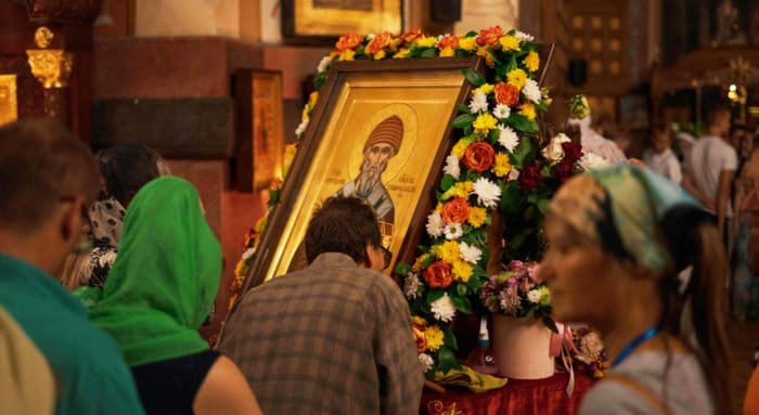 В Санкт-Петербурге поклоняются деснице Спиридона Тримифунтского