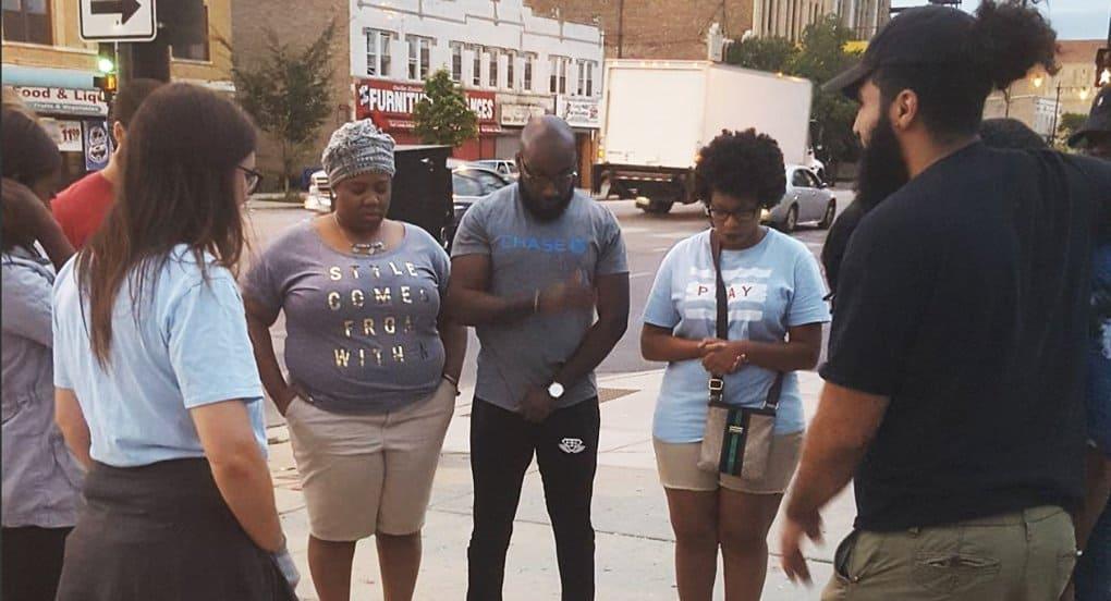 Христиане Чикаго проводят «Лето Иисуса», чтобы остановить волну уличных убийств