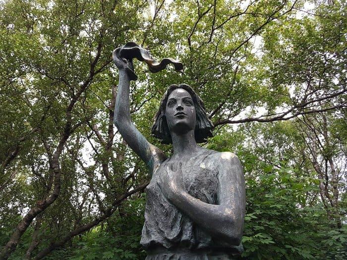 О погибших моряках Полярных конвоев помолились в Рейкьявике