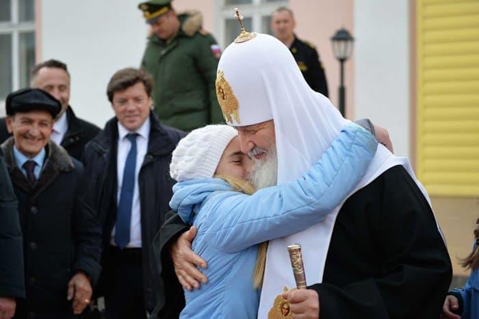 Патриарх Кирилл впервые помолился в храме на Новой Земле