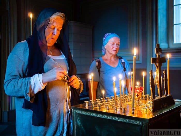 Родные погибших в ТЦ «Зимняя вишня» помолились о своих близких на Валааме