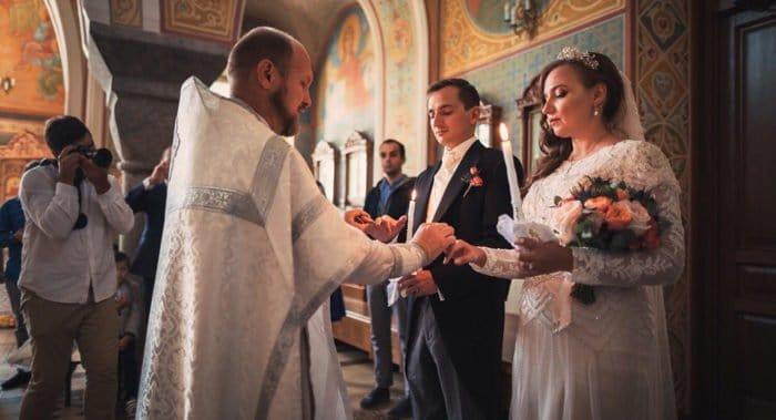 Католик из Голландии обвенчался с любимой в православном храме Красноярска