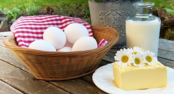 Куда девать молоко и яйца в пост? У нас корова и куры.
