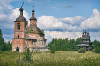 Ансамбль Георгиевской и Воскресенской церкви в Пермогорье