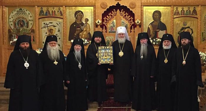 Русская Зарубежная Церковь приостановила сослужение с Константинопольским Патриархатом